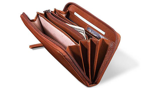 Accordion-Wallet-tips-choosing-new-wallet