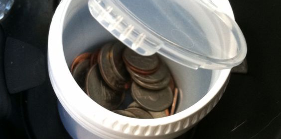 jar-in-the-car-keep-carry-coins-minimalist-wallet