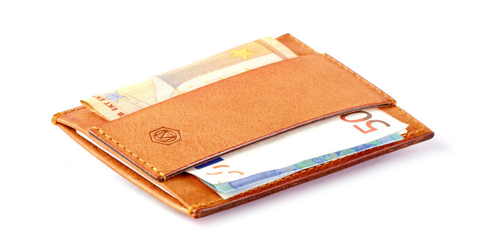 Capsule-Tanistry-Minimalist-Wallet