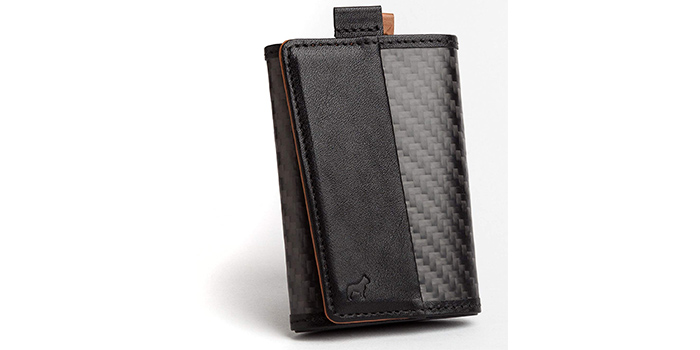 dabc1db6c84a The exterior of this wallet is made of quality carbon fiber that is durable  and strong. The interior is made of genuine Italian leather for strength  and ...